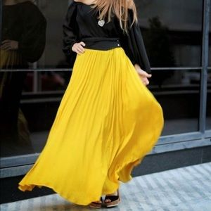 Zara Woman Sunflower Yellow Pleated Maxi Skirt 5
